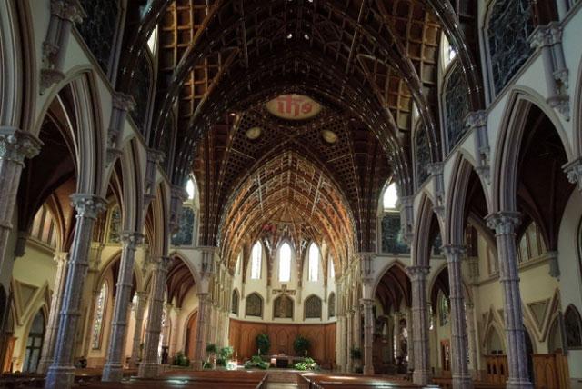 芝加哥圣名主教座堂