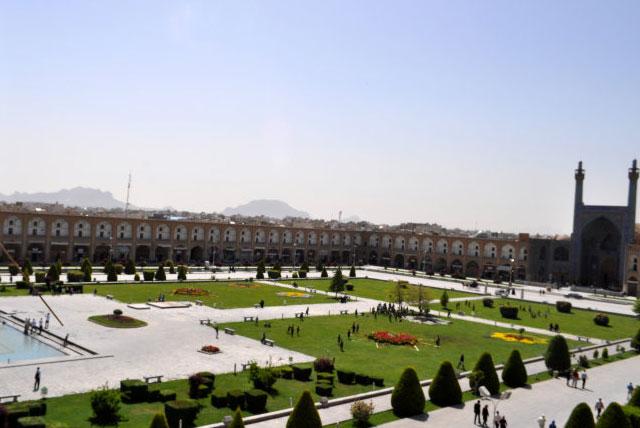 伊玛目广场
