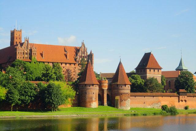 马尔堡城堡