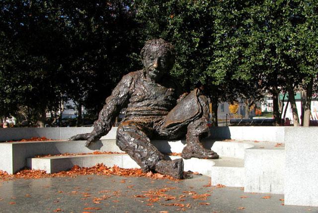 爱因斯坦雕像