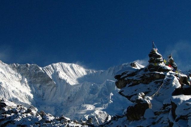 阿玛达布朗雪山