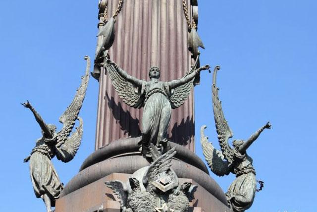 哥伦布纪念塔