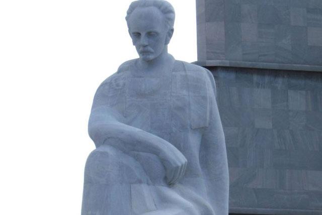 何塞马丁大理石雕像