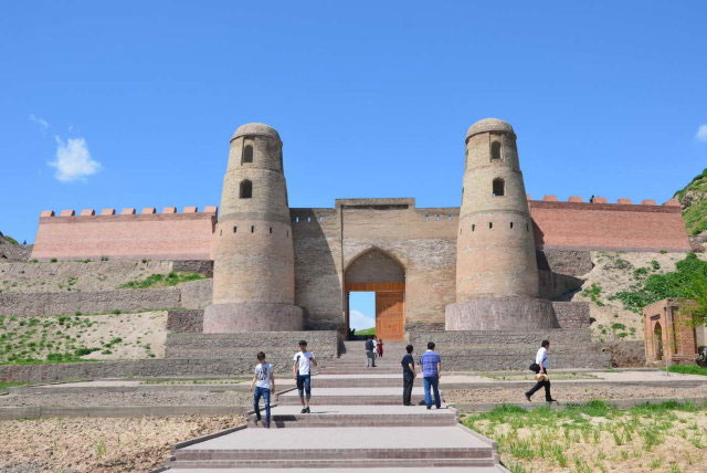 吉萨尔古城