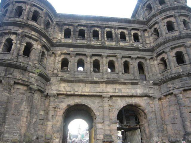 尼格拉城门