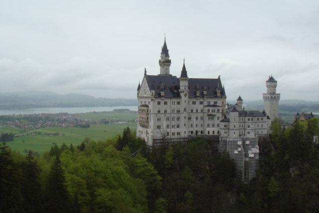 目的地 欧洲 德国 福森 维斯朝圣教堂  新天鹅堡位于慕尼黑以南约130