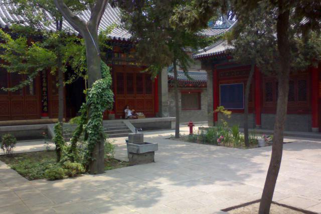 西安卧龙寺