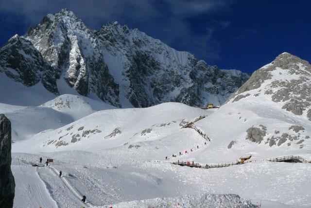 玉龙雪山滑雪场
