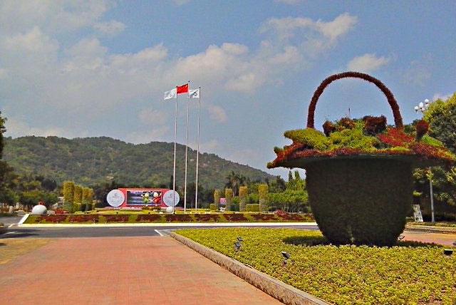 福建漳州东南花都位于漳州市百里花卉走廊的中心地段