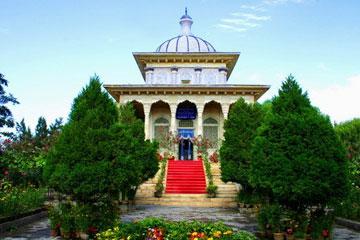 阿曼尼沙汗纪念陵