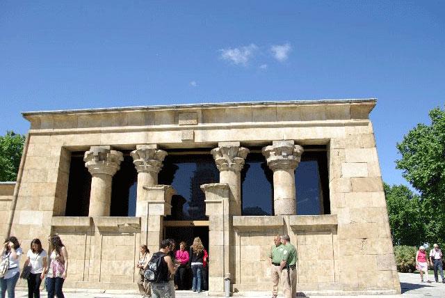 埃及庙/德波