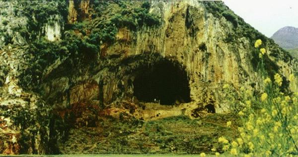 水城硝灰洞遗址