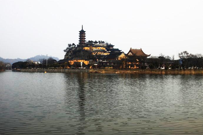 镇江金山湖