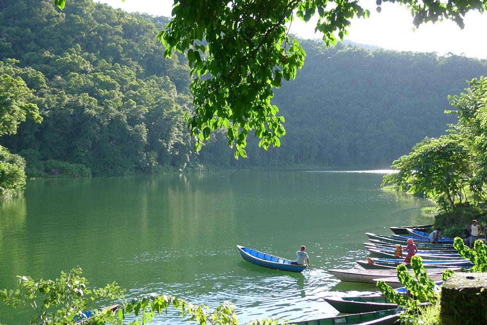 费瓦湖的迷人景色