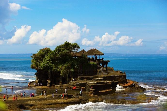 今天的行程是巴厘岛的海神庙